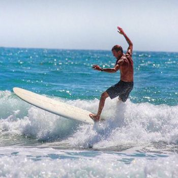 Benefits of Surfing: Healthy Perks of Hangin' 10!