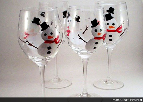 15 Paint Wine Glasses Easy Diy Christmas Crafts For